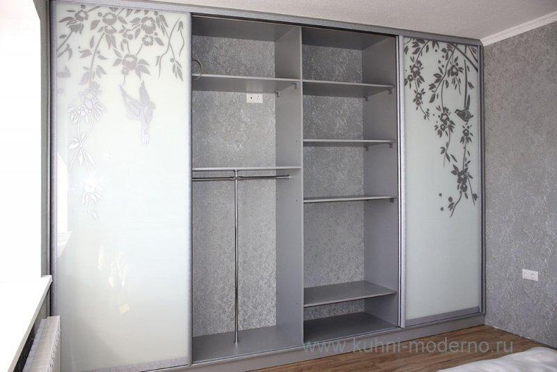 шкафы-купе дизайн фасадов фото какие бывают